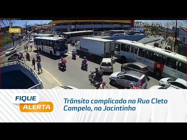 Atenção, motoristas: trânsito complicado na Rua Cleto Campelo, no Jacintinho