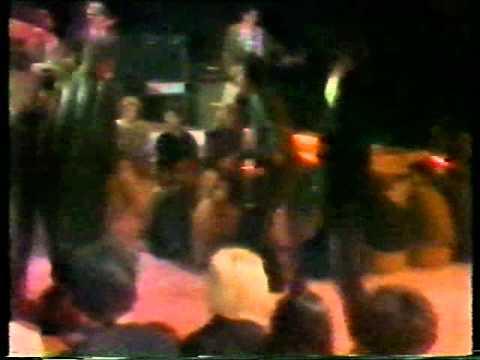 Pekinška Patka - Bolje Da Nosim Kratku Kosu (TV Beograd, 1981)