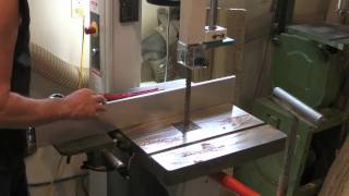 Re-sawing Oregon Tiger Stripe Myrtlewood At Stansell Guitars And Ukuleles