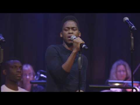 TYRONE HUNTLEY sings 'Why Am I Falling' at Daniel and Laura Curtis Live