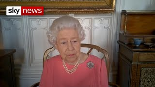 'It didn't hurt at all': Queen urges people to get COVID-19 vaccine