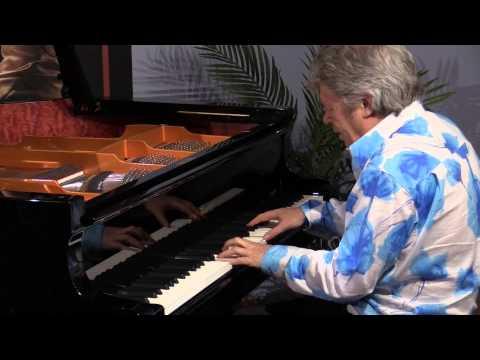 Ebbtide / Misty Medley performed by Peter Sullivan