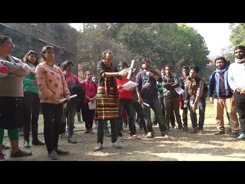 Compulsory Attendance in JNU : JNUSU President Geeta Kumari addressing the students