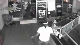 Video Jewelry Store Burglary download MP3, 3GP, MP4, WEBM, AVI, FLV Desember 2017