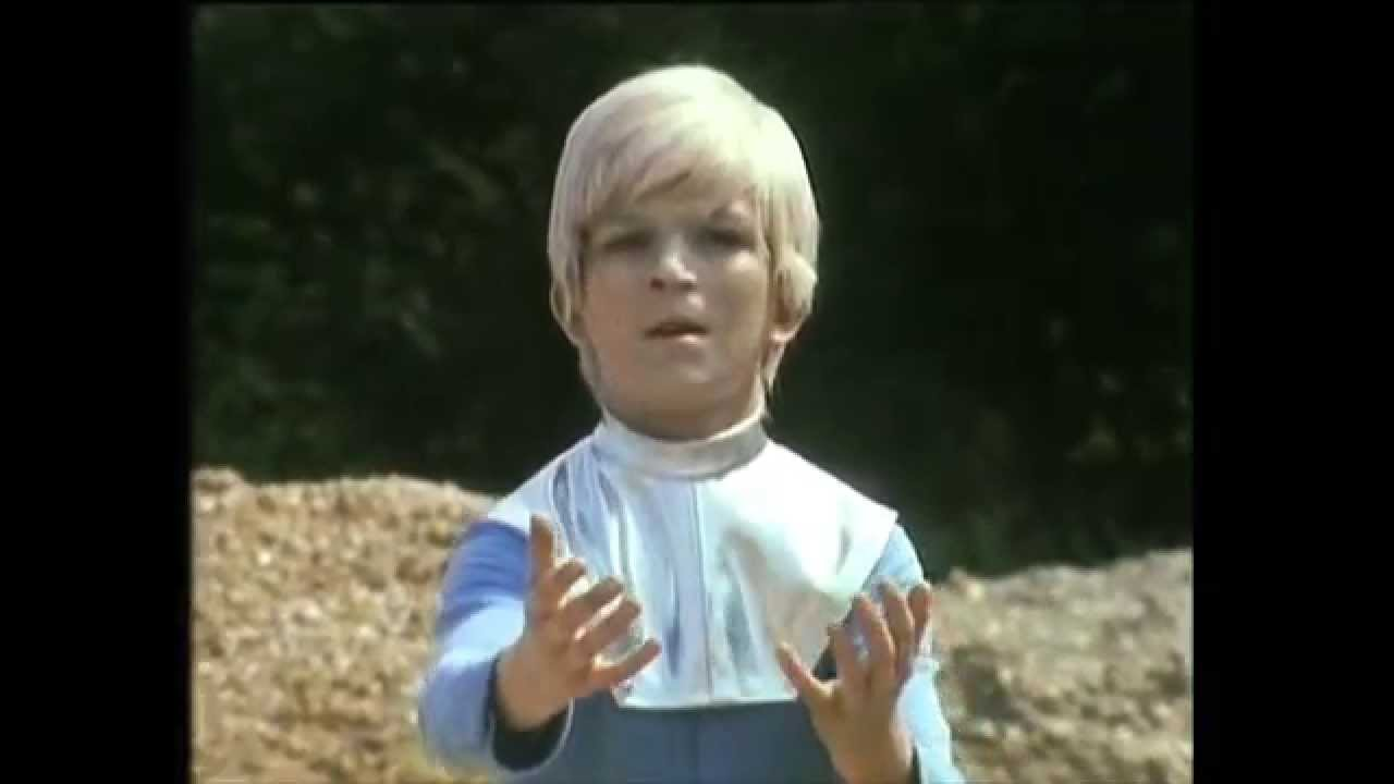 BBC The Boy from Space (1980) - Peep Peep | BFI DVD - YouTube