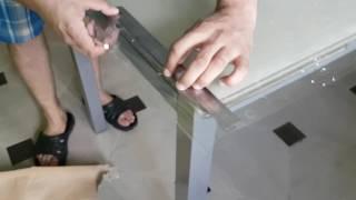видео Обеденный стеклянный подходящий для столовой стол