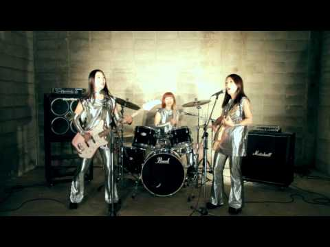 """Shonen Knife - """"Jump into the New World"""" [Official Video]"""