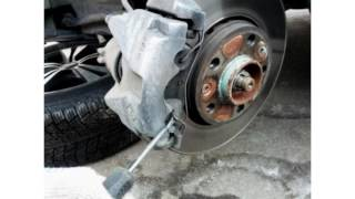 Замена передних тормозных колодок на Renault Duster 2.0