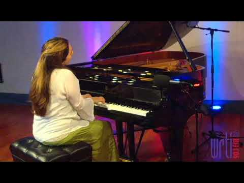 Simone Dinnerstein Plays Glass And Bach - Live From The WRTI 90.1 Performance Studio