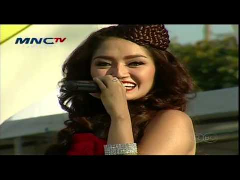 SITI BADRIAH [Berondong Tua] Live At MNC TV Festival Surabaya (01-06-2014) Courtesy MNC TV