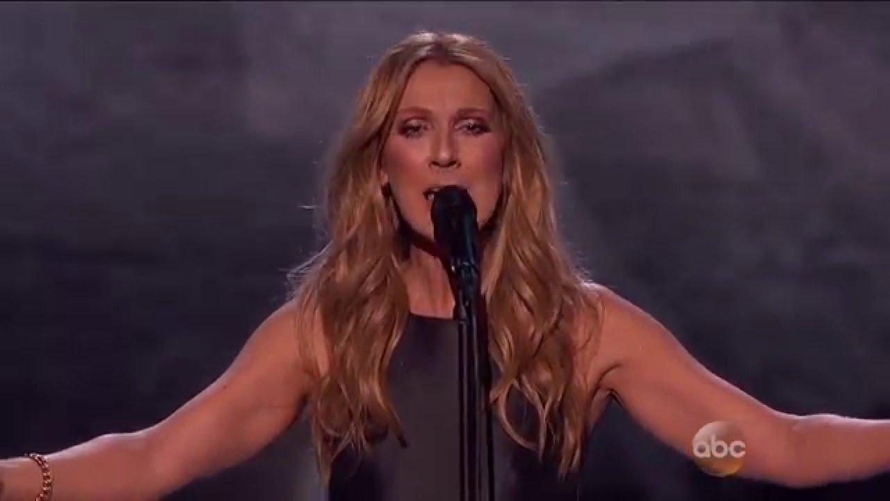 Селин Дион со моќен настап на MTV AMA посветен на жртвите од Париз