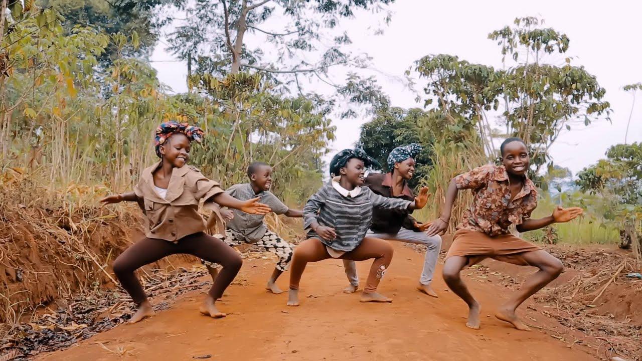 Download Masaka Kids Africana Dancing to Villager