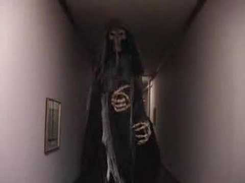 Giant Costume Haunted House professional horror The Reaper by gore-galore.com
