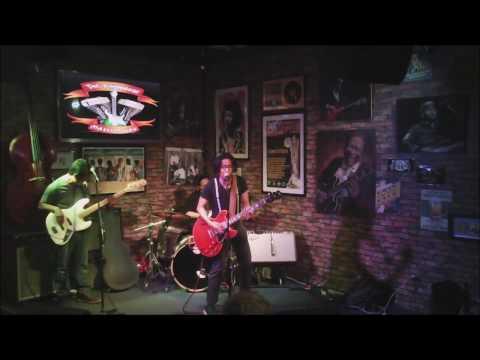 Philippine Blues Showcase:   Bleu Rascals