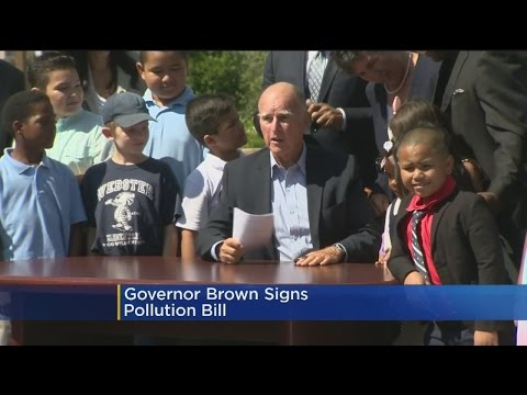 Gov. Jerry Brown Signs Law Regulating Cow Farts, Landfills