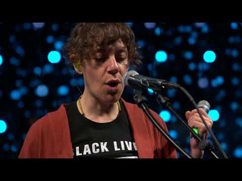 tUnE yArDs - Look At Your Hands (Live on KEXP)