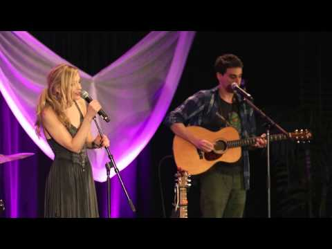 Emily Kinney - Hold On live at Walker Stalker Con
