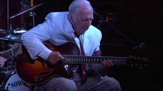 Boardwalk Jazz: Stompin At The Savoy Live at the Langosta Lounge featuring Bucky Pizzarelli