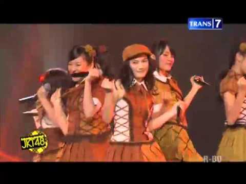 JKT48 - Yuuhi Wo Miteiruka