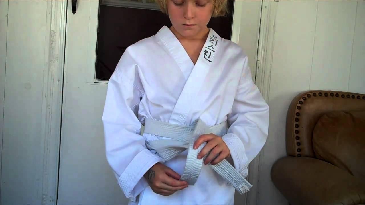 How To Tie A Taekwondo Belt And Break A Board