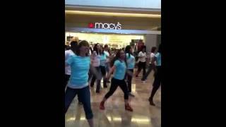 Estee Lauder Flash Mob-Las Vegas Macy's Fashion Show Thumbnail