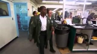 (Doku) Die härtesten Gefängnis-Wärterinnen der USA