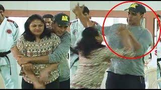 Bollywood Actors SLAPPED on Camera - Akshay Kumar | Shahrukh Khan | Govinda