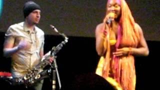 Imani Uzuri(Имани Узури) - вокал, USA и Трио Олега Бутмана