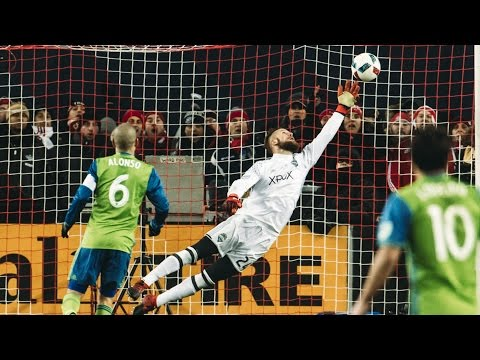 """Stefan Frei makes """"The Save"""" on Jozy Altidore in MLS Cup Final"""