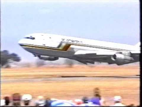 Mashonaland flying club show 707 flypast 1995b