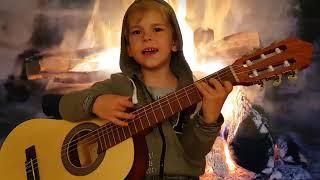 """Мальчик поёт под гитару Половинка """"Танцы минус"""""""