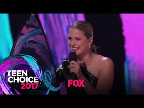 "Melissa Benoist Accepts The ""Choice TV Actress: Action"" Award 