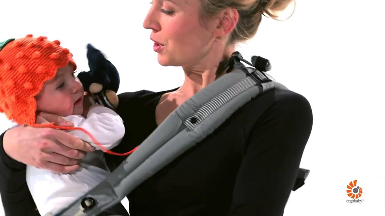 instructions porte bebe ergobaby positions installation sur la hanche cote