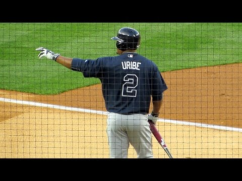 Juan Uribe gets Love from Dodger Fans and Players