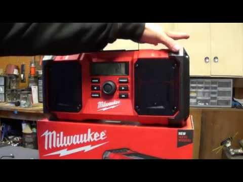 Milwaukee M-18 2890-20 Jobsite Radio Review