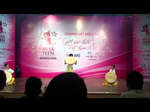 """Miss Teen 2011 Lưu Quỳnh Anh SBD: 787 - Múa """"Những Cô Gái Việt Nam"""""""