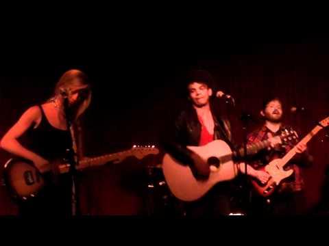 """Banks Over Yonder"" - Jason Diaz & The Tin Drums at Hotel Cafe 7/29/2011"