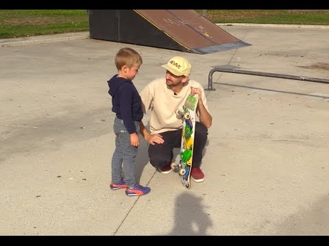 4 YEAR OLD AT THE SKATE PARK