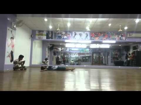 Behne de mujhe (Contemporary Dance)