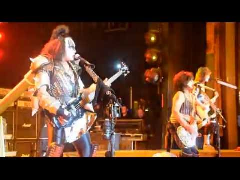 KISS Kruise - Creatures of the night & Keep Me Comin�-11-06
