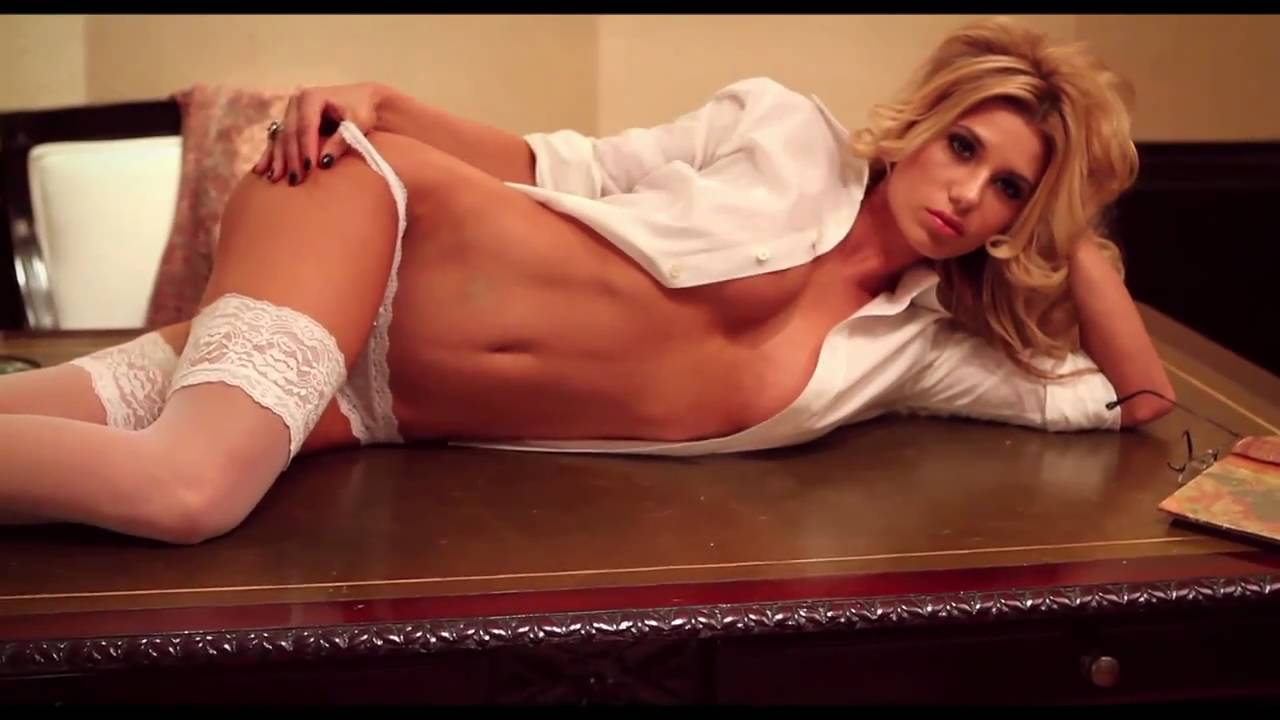 what are female escorts