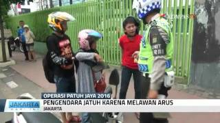 """vuclip Ibu Jatuh dari Motor, si Anak """"Marahin"""" Polisi"""