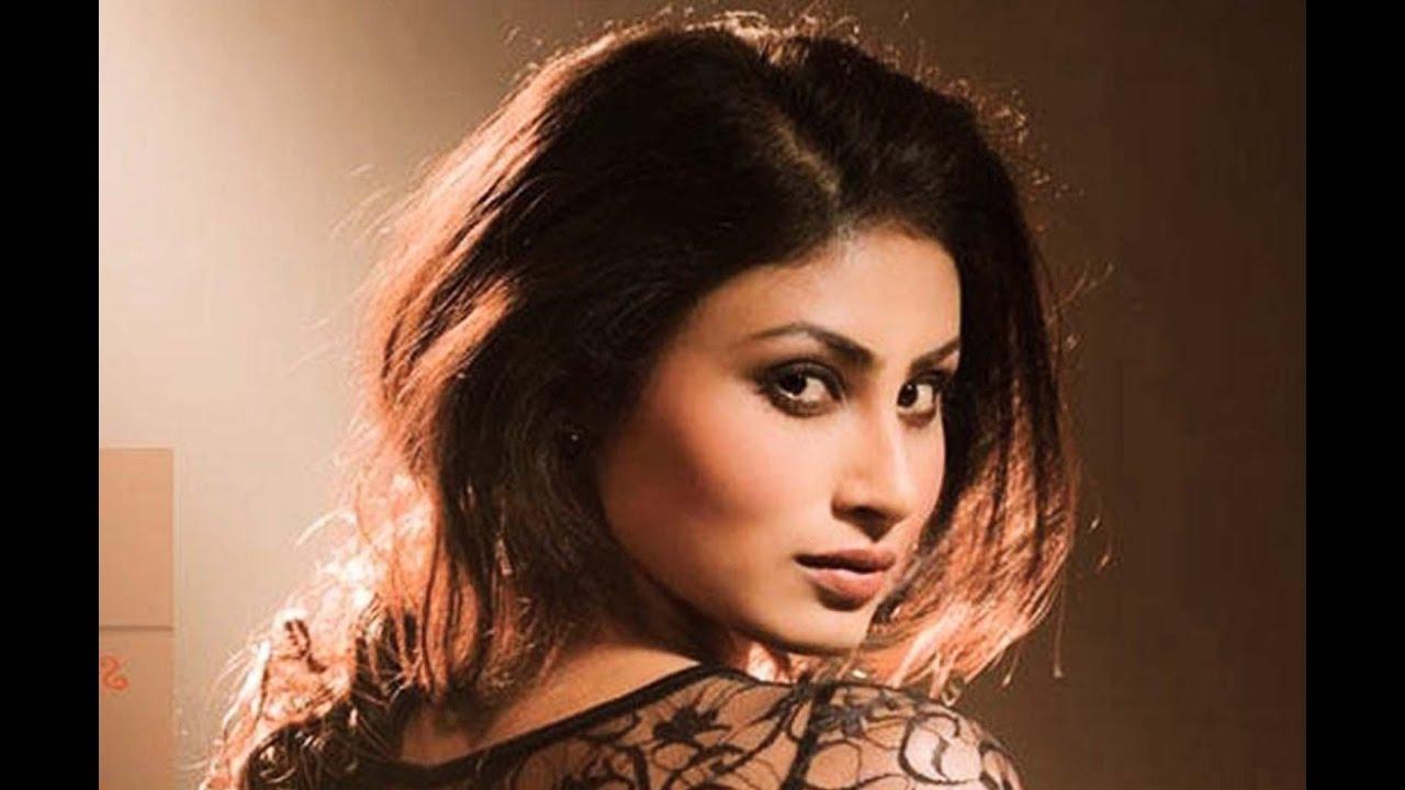 Nagin Actress Mouni Roy to debut in Tamil Cinema | Latest Tamil Cinema News  | PluzMedia