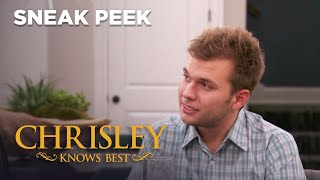 Chrisley Knows Best | Sneak Peek: Julie Brings Back The Swear Jar | S7 Ep10 | on USA Network
