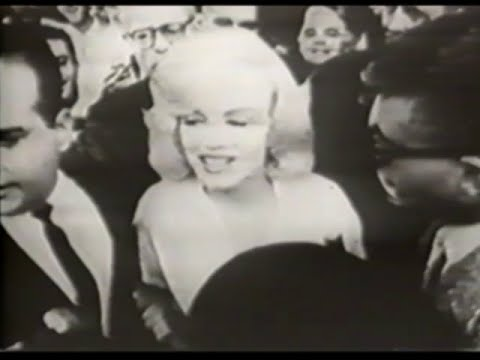 "Phoebe Legere — ""Marilyn Monroe"" music video"
