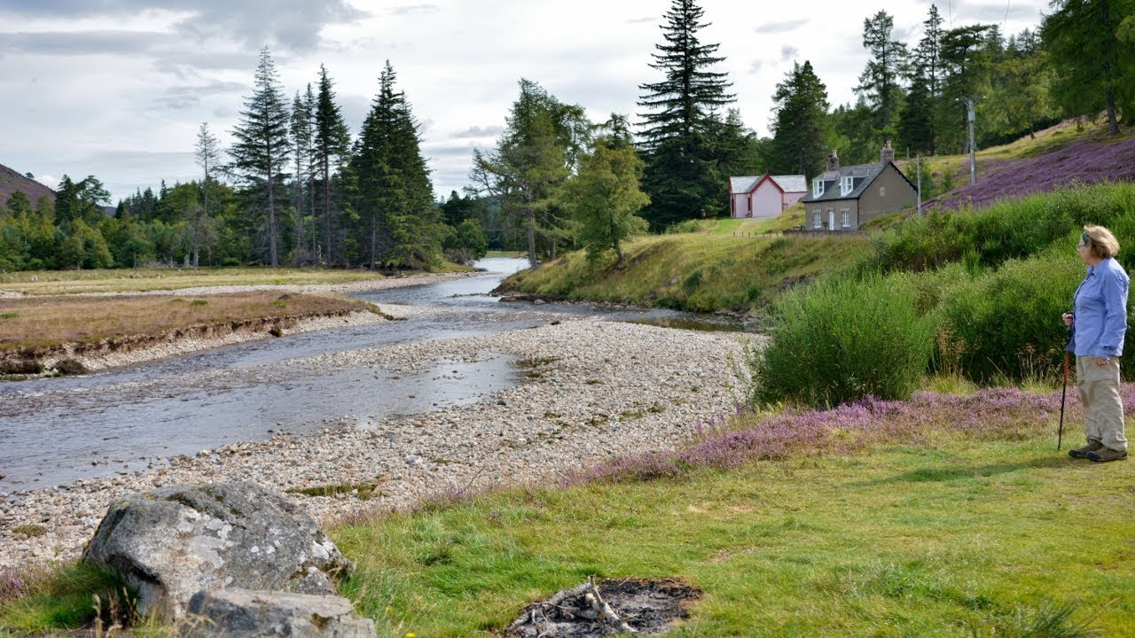 West of Braemar - Inverey and Mar Lodge on the Dee [Aug  24, 2017]