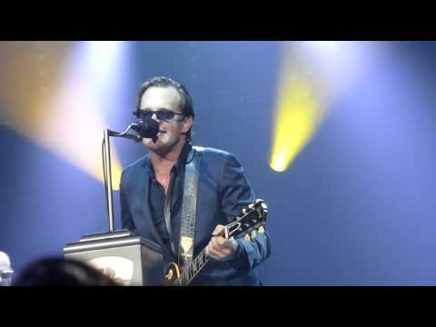 "Joe Bonamassa ""Living On The Moon"" Carre Amsterdam 12.3.2015"