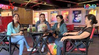 Lê Trang bật khóc khi Mẹ lên tận Sài Gòn đón về | Nữ diễn viên tranh thủ về nhà lập tức cùng mẹ 🏡