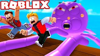SWALLOWED POR EL MONSTER DE MAR GIGANTE EN ROBLOX!