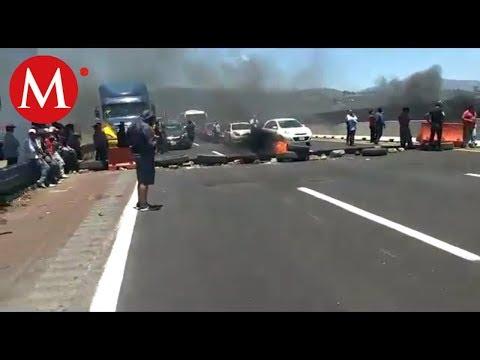 Mantienen bloqueadas la autopista México-Puebla y la carretera Federal